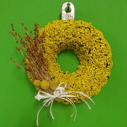 Bundt Buttercup Delight Edible Bird Seed Wreath with Bow