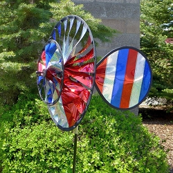 Patriotic Sparkle Spinner with Wind Sail