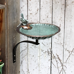 Achla Scallop Shell Birdbath with Wall Bracket