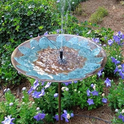 Achla Green Leaves Embossed Birdbath Stake with Floating Solar Bubbler