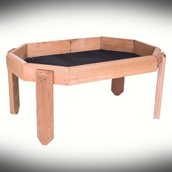 Town & Country Cedar Octagon Ground Feeder
