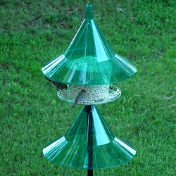 Sky Cafe Bird Feeder Emerald Green with Pole Baffle Kit