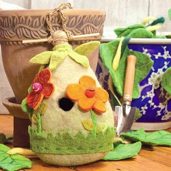 Wild Woolies Friendly Flower Felt Birdhouse