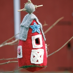 Wild Woolies Country Barn Felt Birdhouse