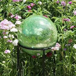 Crackle Glass Gazing Globe Light Green 10