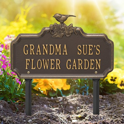 Chickadee/Ivy Personalized Garden Plaque with two lines of text in Bronze/Gold
