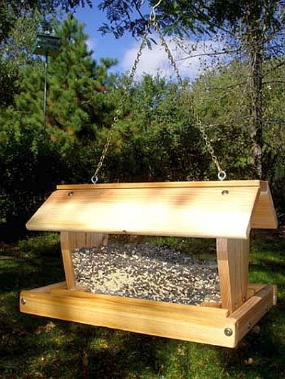Select Cedar Medium Hanging Hopper Feeder