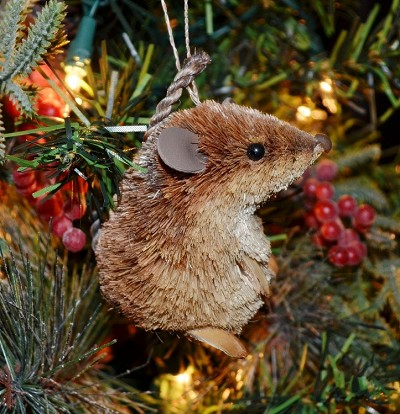 "Brushart Mouse Grey Sitting 3"" Ornament"