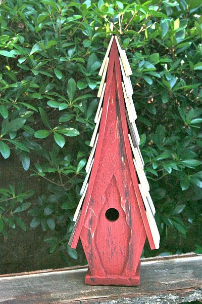 Heartwood High Cotton Birdhouse Redwood