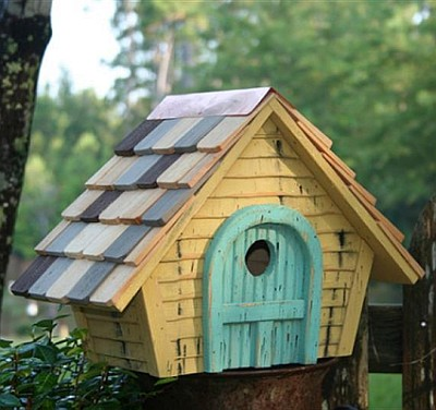 Heartwood Prairie Home Birdhouse Yellow