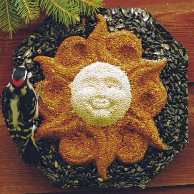 Sun Wreath Edible Bird Feeder